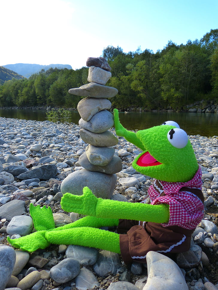 kermit, frog, stones, build tower, cairn, stone tower, fun