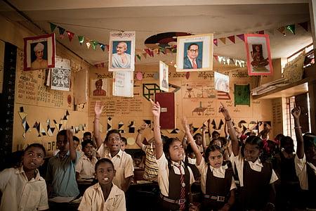 akshaya patra, children, school children, enthusiastic children