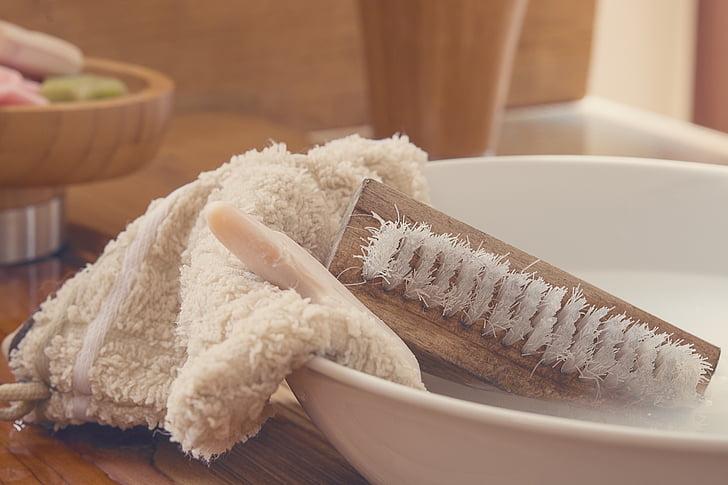 mosogatórongy, kézi kefe, mosni a kefe, szappan, mosdó tál, víz, szappanos vízzel