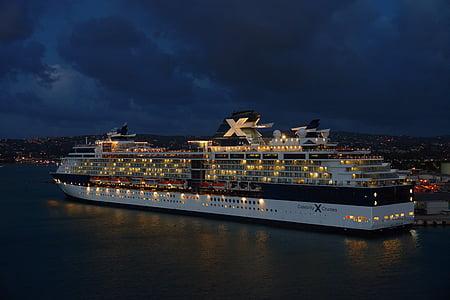 drivande kryssningsfartyg, natt, hamn, fartyg, Celebrity cruises, kryssningsfartyg, havet