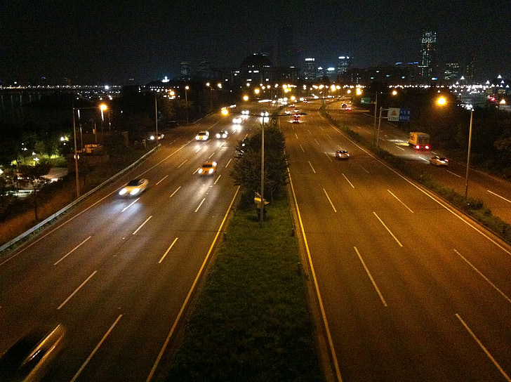 vista nocturna, ciutat, carretera, cotxe, cursa, bulevard de Olímpic