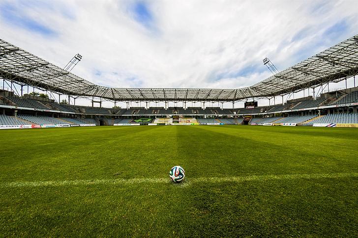 la pilota, Stadion, futbol, el terreny de joc, herba, joc, esport