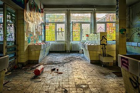 elhagyott, törött, épület, fogszuvasodás, omladozó, piszkos, elhanyagolt