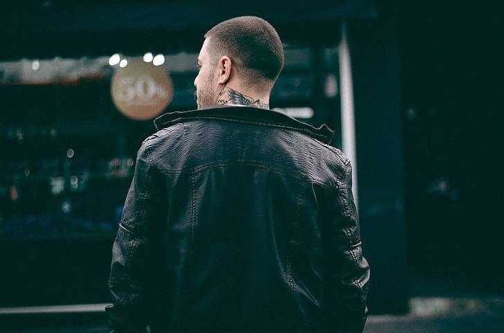 home, portava, negre, cuir, jaqueta, tatuatge, mascle