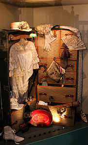 middle ages, empress, sissi, dresses, luggage, holiday, travel