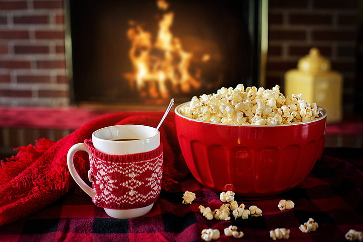 silta un mājīga, ziemas, popkorns, kafijas, uguns kamīnā, mājīgs, silts
