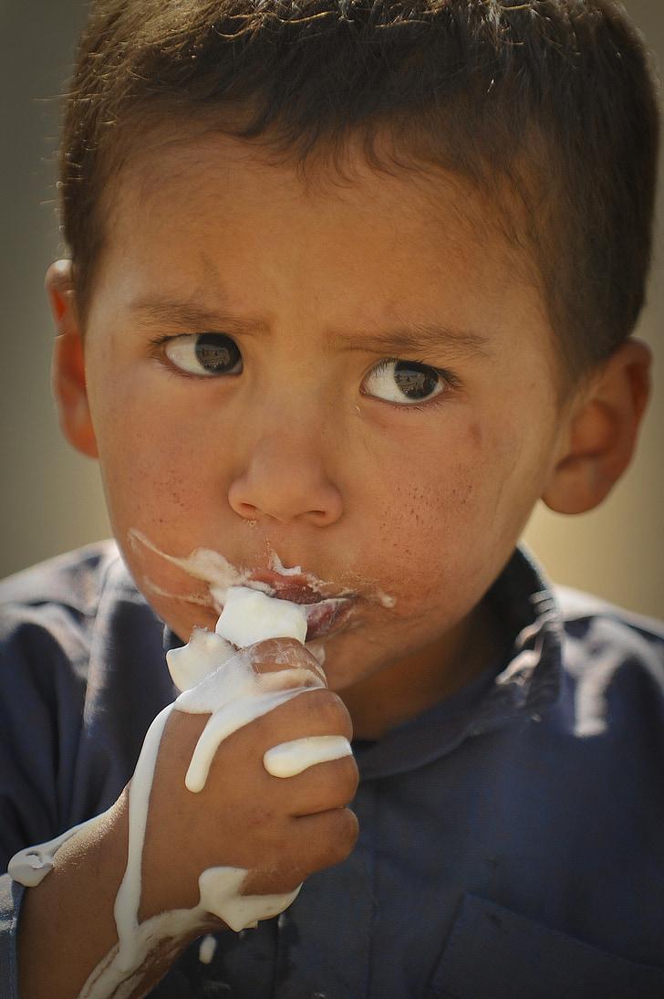 Pojke, äta, glass, barn, Kid, rörig, Söt