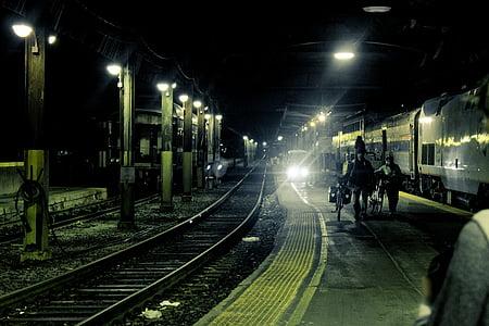 natt, folk, jernbanen, skinnene, jernbanen, jernbanestasjon, jernbanen