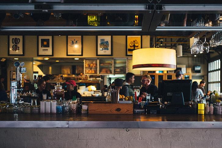 Restaurant, barra, comptador, persones