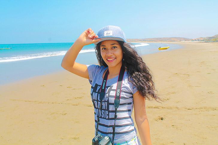 šeširi, kape i šubare - Page 20 Girl-beach-sea-women-preview