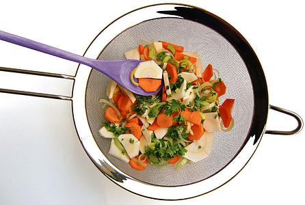 κόσκινο, λαχανικά, ξύλινη κουτάλα, μάγειρας, κουζίνα, κομμένα, καρότα