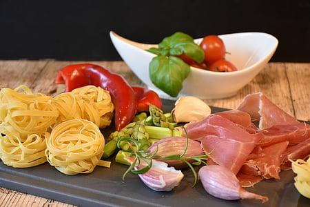 nuudlid, pasta, Itaalia, sink, tomatid, paprika, spargel