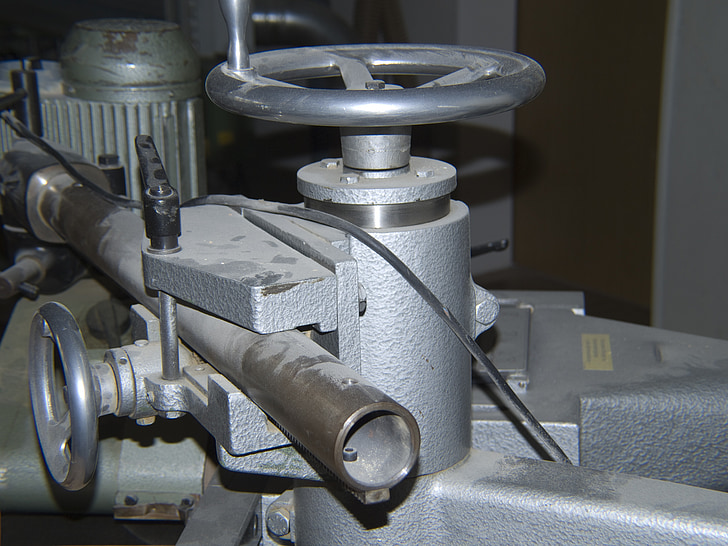 adjusting wheel, tube, capping, metal, machinery, equipment, technology