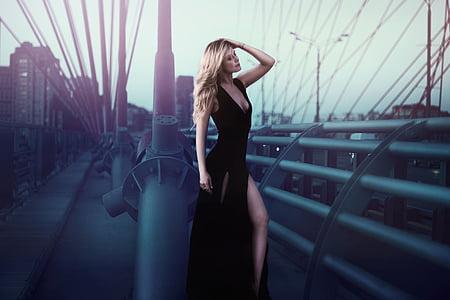 pikk must kleit, Tüdruk, soeng, Photoshoot, sillal, Ilu, pikad juuksed