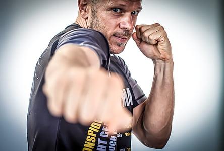 Muay tailandès, kick boxing, MMA, lluitadors, boxejadors, combativa, kickboxers
