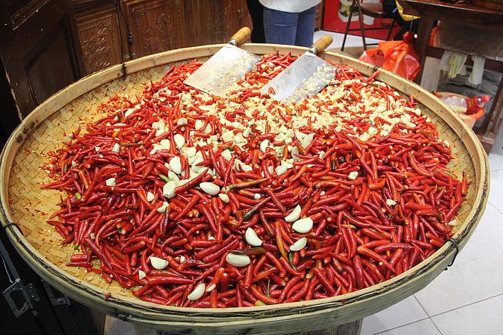 sarkanie pipari, svētku, Ķiploki