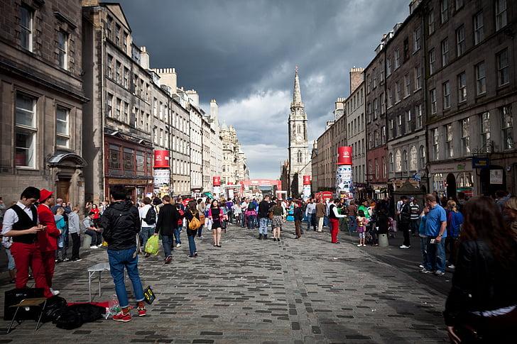 street performers, edinburgh fringe, actors, performers, make up, costumes, people