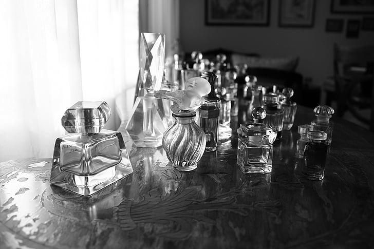 perfums, blanc i negre, ampolles, ampolla, redolence, contenidor, taula