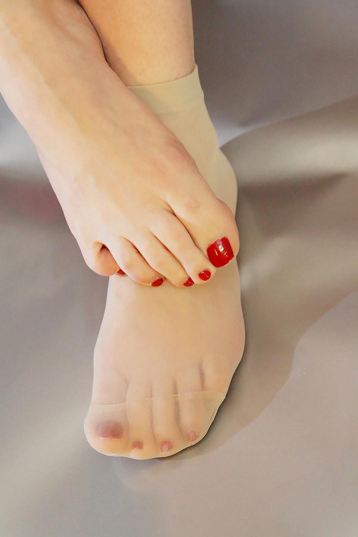 dona, pell, peu, peus, mitjana, mitjons, ungles