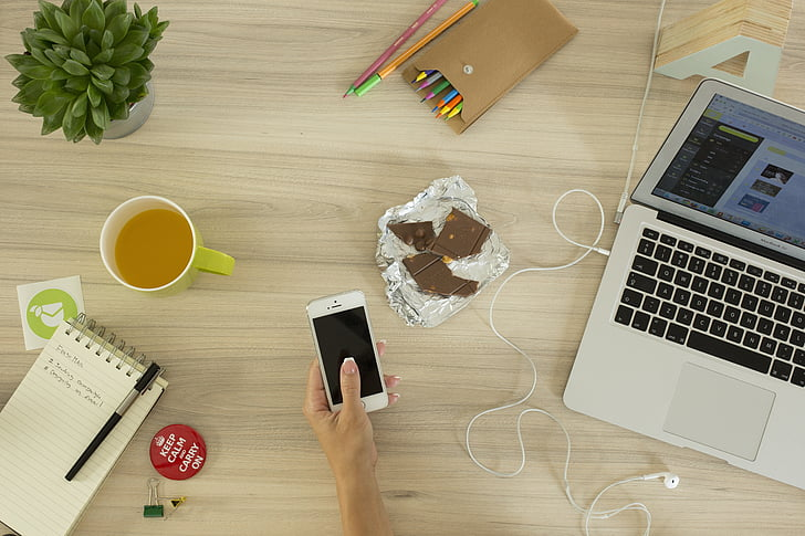 počítač, telefón, pracovný priestor, kancelária, notebook, chytrý telefón, mobilný telefón