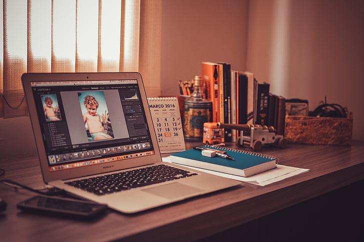 Otvorte, MacBook, vzduchu, hnedá, drevené, Tabuľka, laptop