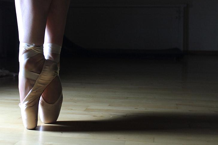 balet, balet cipele, balerina, ples, performanse, stopala, milost