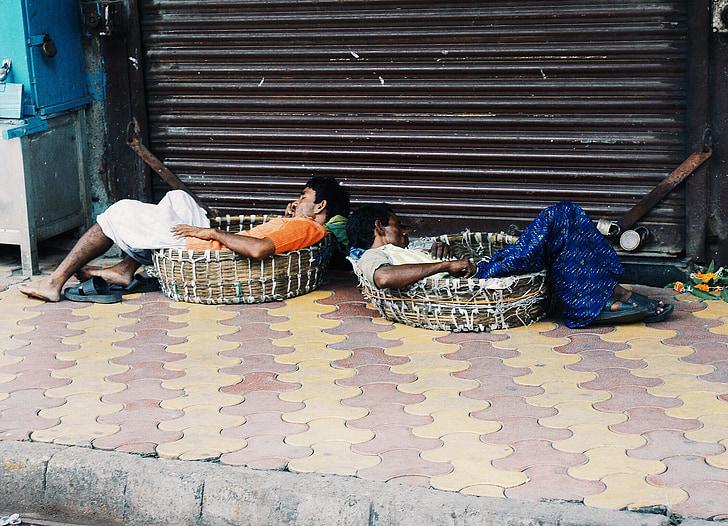 India, Mumbai, tidur, istirahat, kemiskinan