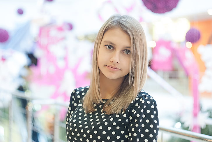 holiday, balloons, shopping center, girl, blonde, portrait, young