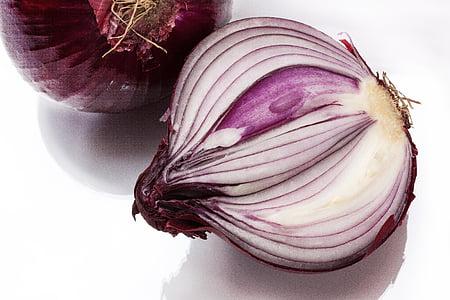ceba, Allium cepa, ceba vermella, rodanxes, que conté sulfur, olis essencials, crua