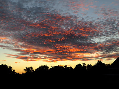 debesis, mākoņi, tumši mākoņi, vakara debesis, saulriets