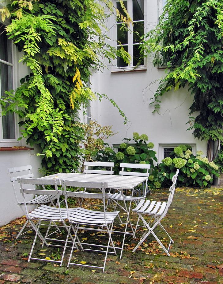 kert, kerti bútorok, kerti székek, háztáji, idill, idilli, Grün weiß