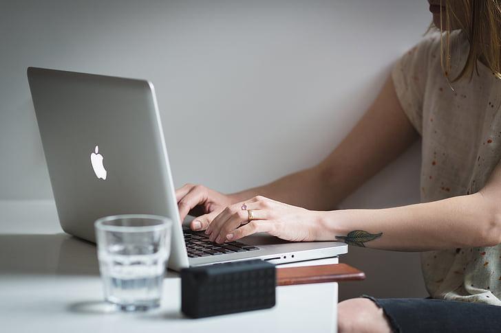 portàtil, Poma, MacBook, ordinador, navegador, recerca, l'escola