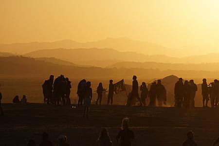 personer, folkmassan, Mountain, flagga, solnedgång, landskap, Visa