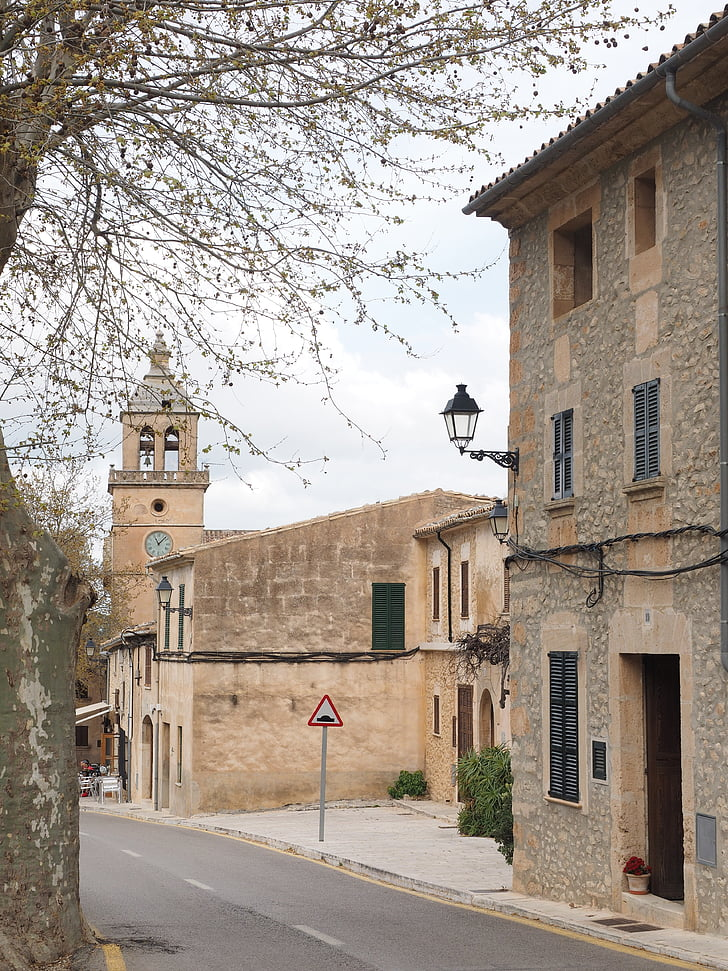 randa, village, mallorca, road, alley, church, village center