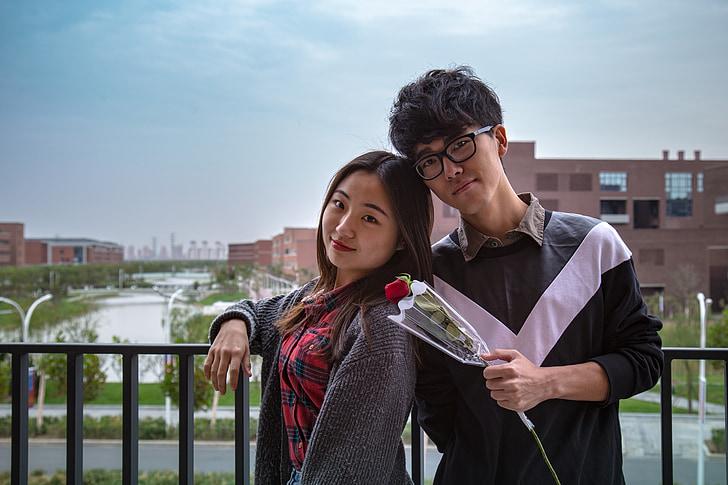 l'amor, Rosa, en l'amor, un parell de, Àsia, l'escola, Joventut