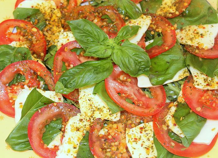 capresse, paradajka, mozzarella, bazalka