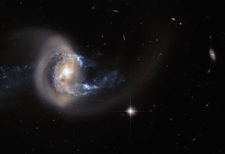 galàxia espiral, NGC 7714, fusió, NGC 7715, braços, espai, estrelles