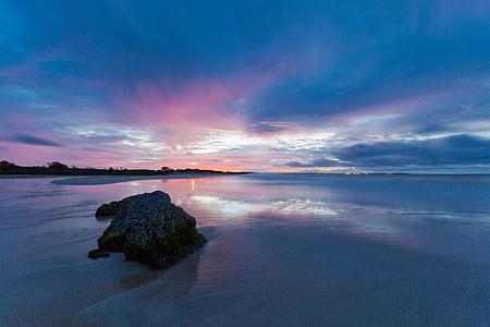abans de la sortida del sol, sorra, reflexió, Costa d'origen Ujung, l'illa de Java, Indonèsia, tranquil·litat