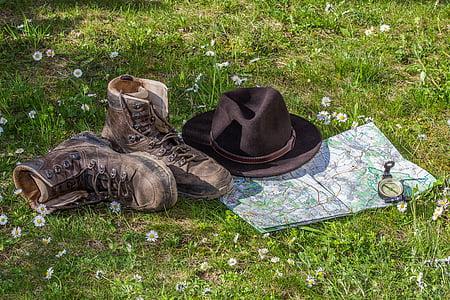 pěší turistika, Mapa, orientace, turistické boty, boty, klobouk, cestování