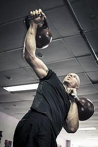 Kettlebells, Kettlebell tréning, Kettlebell tréner, CrossFit, Kettlebell, stlačte, strane stlačte