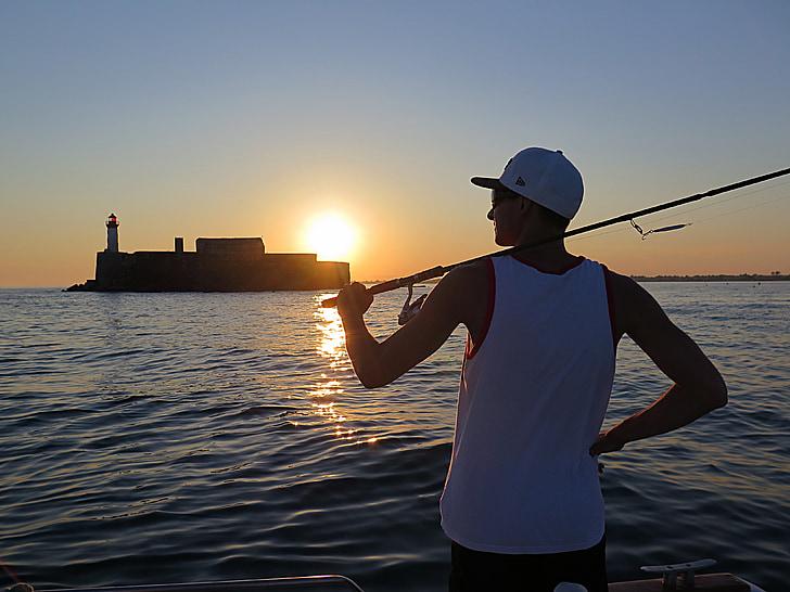Rybolov, rybár, more, tradičné rybárske, pokojný, rybár, rybársky prút