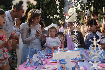 starši in otroci, rojstni dan, praznovanje, ljubezen, trije kralji, Mexico city, Kostumi