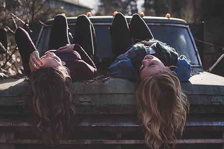 nenes, estirat, cotxe clàssic, jove, femella, persona, feliç