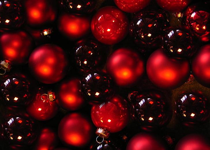 ลูกบอล, christbaumkugeln, glaskugeln, สีแดง, สีดำ, เครื่องประดับคริสต์มาส, คริสมาสต์ของเด็กเล่น