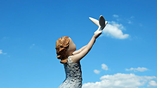 arora, figurine, statuette, follow your dream, one woman only, limb, sky
