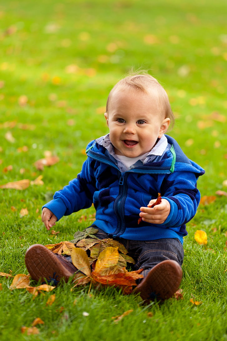 Bebe i deca - Page 19 Autumn-baby-boy-cheerful-preview