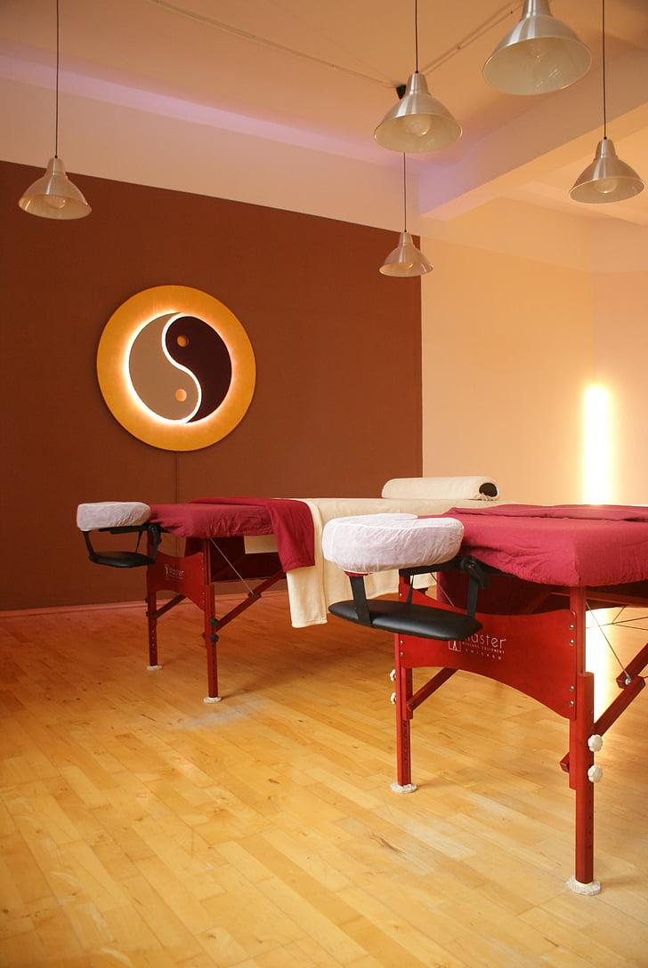 Massage, Massageraum, Ausbildung, Massagetisch, Schule, lernen, Wellness