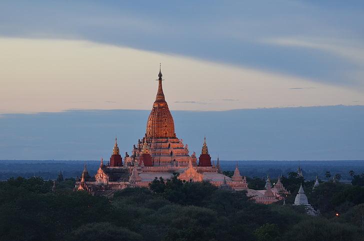 Barma, Mjanmarsko, budhistické