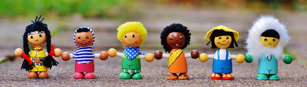 nacionalitats diferents, nens, humà, globus, tot el món, figures, fusta