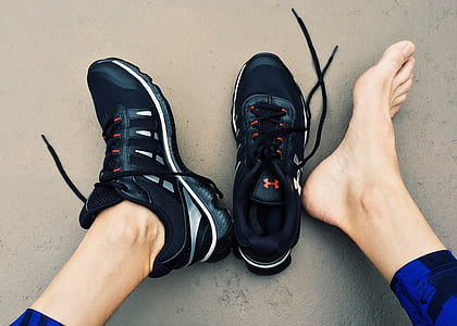 executar, gimnàs, entrenament, tren, atleta, peus, engranatge